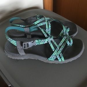 Comfy & cute chacolike Skechers sandals sz 8